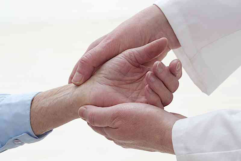 Ganglionul tendoanelor: cauze, simptome, metode de tratament